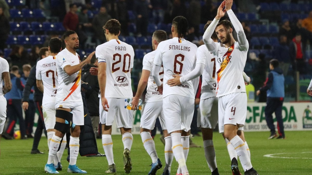 Cagliari-Roma 3-4: Kalinic, Kluivert e Mkhitaryan rilanciano i ...