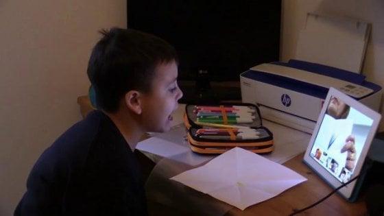 Coronavirus, l'emergenza spinge la scuola digitale