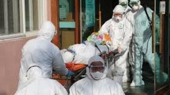 """Coronavirus, l'epidemiologo Cowling: """"L'Italia ritardi il picco o la sanità rischia il collasso"""""""
