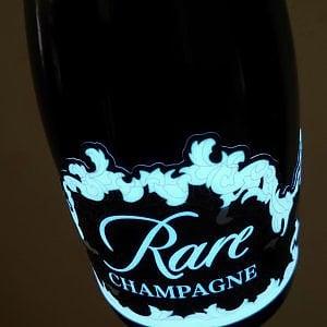 Rare champagne con etichetta luminosa (foto da cellulare di Paola Jadeluca)