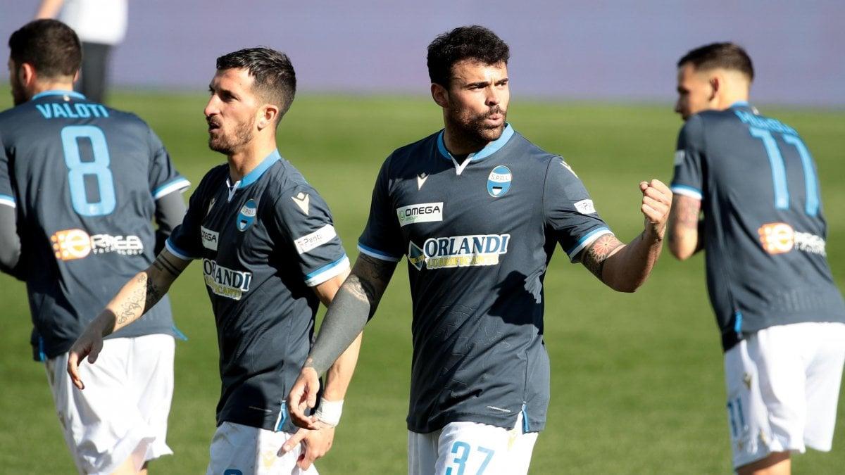 """Parma-Spal 0-1, Petagna segna e annuncia: """"Ora il calcio va messo da parte"""""""