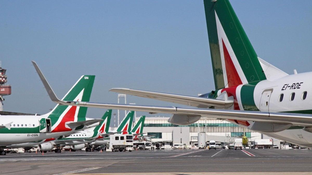 Coronavirus, Alitalia chiude i voli su Malpensa dal 9 marzo
