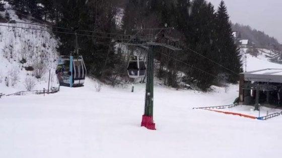 Coronavirus, l'epidemia chiude anche lo sci: stop alle piste su tutte le Alpi