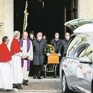 """Le cerimonie: i funerali senza lacrime: """"Per l'addio alla nonna saremo solo in tre"""""""