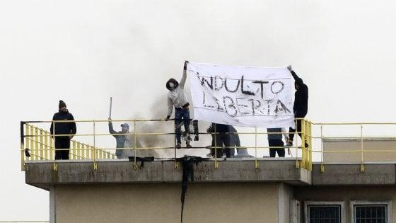 Rivolta nelle carceri. Tre evasi arrestati a Foggia, muore un quarto detenuto a Rieti