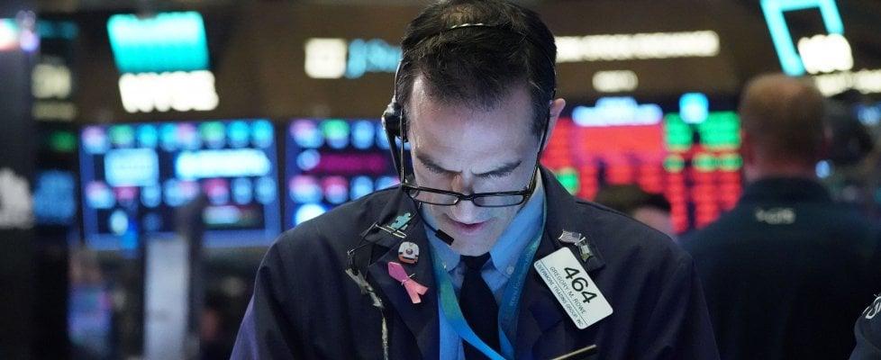 Le Borse Ue faticano a rimbalzare dopo il crollo. Piazza Affari +7%, spread in calo. Bce e Commissione Ue promettono interventi