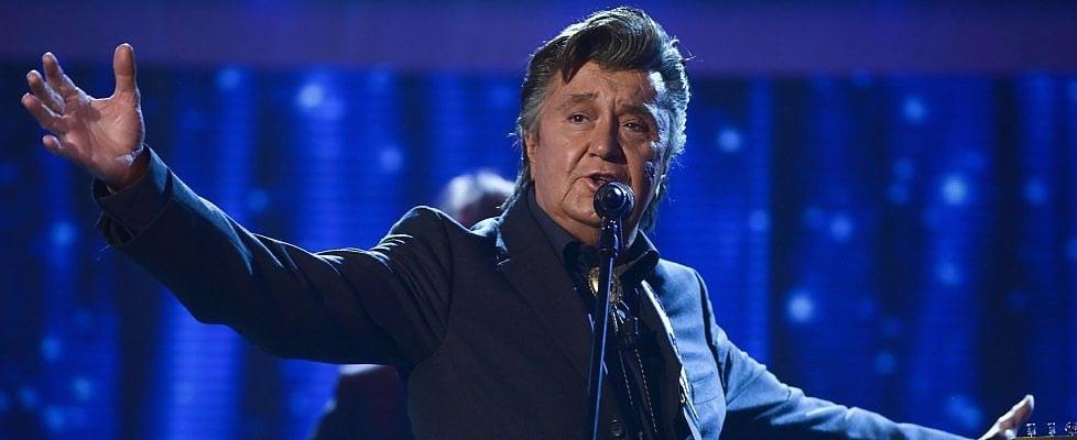 """Bobby Solo, 75 anni dell'Elvis italiano: """"Il mio più grande amico fu Little Tony, la nostra rivalità era inventata"""""""