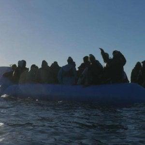Coronavirus, le Ong fermano le missioni di salvataggio in mare. Migranti senza più soccorsi