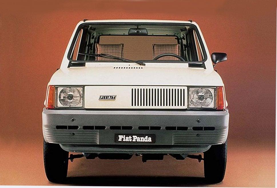 Fiat Panda, 40 anni e non sentirli: è sempre lei la regina del mercato
