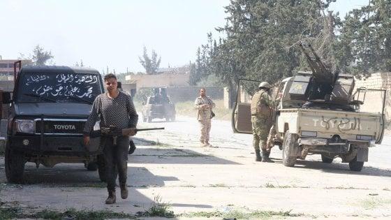 """Libia, Haftar lancia missili sul centro di Tripoli. La condanna dell'Italia: """"E' inaccettabile, deve rispettare la tregua"""""""