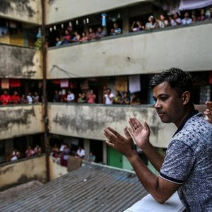 Coronavirus, l'India e il lockdown più grande del mondo. E Modi chiede ai cittadini di cantare dai balconi