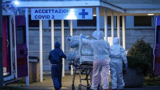 """Coronavirus, scienziati diffidano Gismondo: """"Affermazioni pericolose"""""""