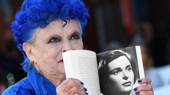 È morta Lucia Bosè. La ragazza di piazza di Spagna amata da Visconti e Antonioni
