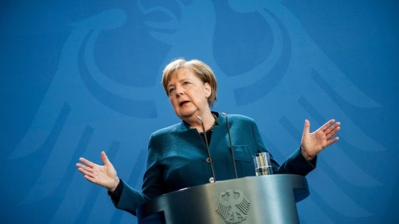 Coronavirus, la Germania accoglie pazienti italiani: è il primo Paese a farlo. Merkel negativa al test