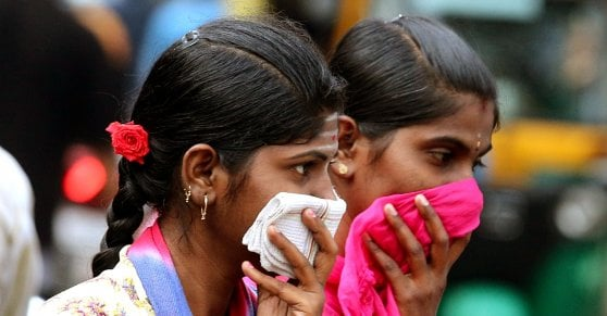 Coronavirus, Oms: pandemia sta accelerando. Morto impiegato italiano del Parlamento Ue. Johnson ordina lockdown nel Regno Unito