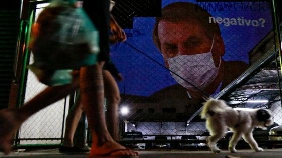 """Coronavirus, vero o falso? Bolsonaro, l'ultimo scettico: """"Solo una piccola influenza"""""""
