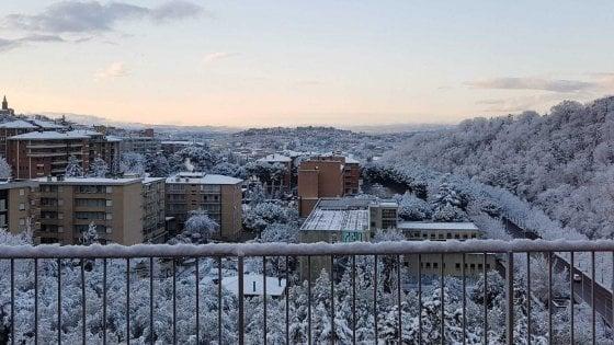 Meteo, maltempo fino a venerdì con vento forte e nevicate anche al Sud