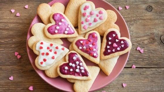 Il cuore grande dei biscotti: impastiamo con i bambini