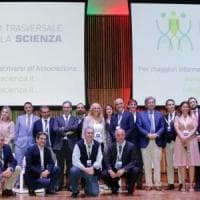 Coronavirus, scienziati italiani denunciano guru online complottista