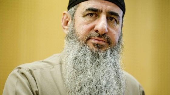 Terrorismo, estradato in Italia il mullah Krekar