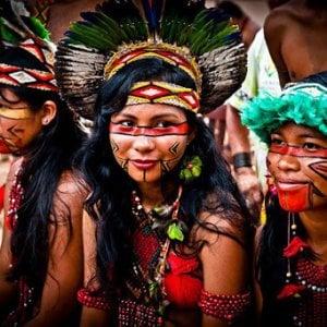 Il coronavirus come le epidemie 'importate' del passato: gli indigeni dell'Amazzonia potrebbero essere decimati dalla pandemia