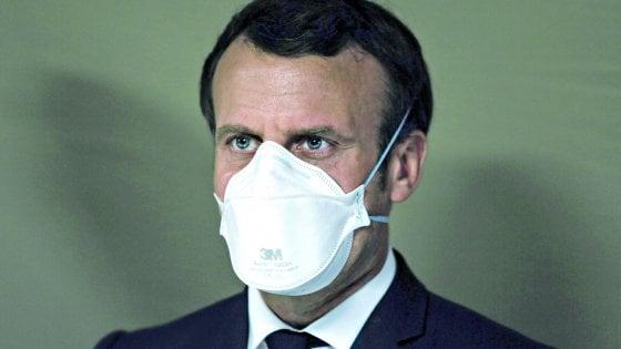"""Coronavirus, Macron: """"La Francia è al fianco dell'Italia, basta a un'Unione Europea egoista"""""""