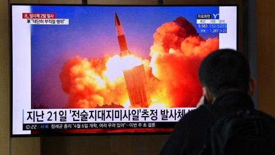 """Corea del Nord, Seul accusa: """"Lanciati due missili balistici"""""""