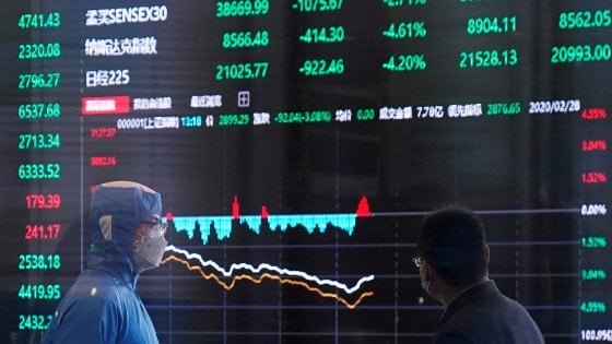 Wall Street sostiene le Borse Ue, lo spread rivede quota 200. Nuovi minimi per il petrolio