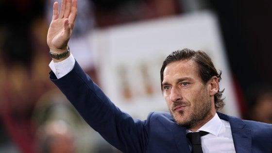 """Totti: """"Comprare la Roma? Adesso costa meno"""""""