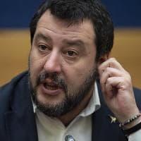 """Salvini: """"Noi ci siamo, e domani parlerò a Conte di sanatoria fiscale ed edilizia e di..."""
