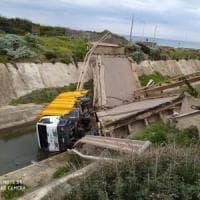 Gonnesa, crolla un ponte su strada: illese due persone