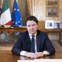 Sondaggi: aumenta la fiducia nel governo Conte, calano Renzi e la Lega