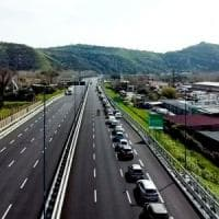 Coronavirus, Autostrade per l'Italia 'regala' il pedaggio al personale sanitario per tutta...