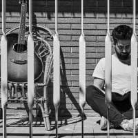 Autoritratti quarantena scelti da Oliviero Toscani: i volti del 5 aprile /2