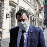 """Coronavirus, Salvini vuole chiese aperte a Pasqua: """"La scienza da sola non basta: serve..."""