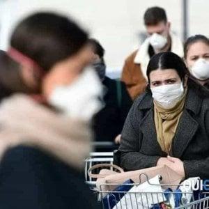 """Coronavirus: la conferma da uno studio: """"Le mascherine riducono la diffusione"""""""