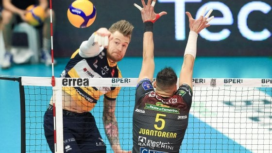 Volley, stop alla Superlega: possibile riapertura solo per i play off