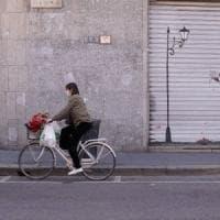 """Coronavirus, lo studio italiano: """"Letalità e inquinamento atmosferico, il Nord soffre di..."""