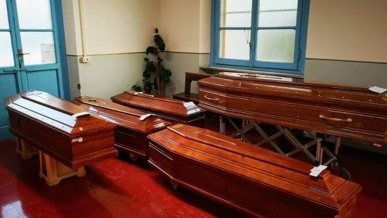 Pio Albergo Trivulzio, 30 morti da inizio aprile. Bare anche