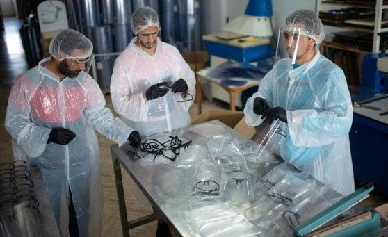 Coronavirus nel mondo, diecimila sono i morti in Francia e i contagi in Africa. Wuhan riapre dopo 76 giorni