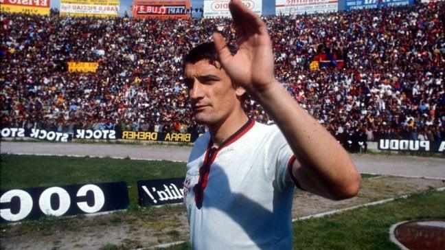 """Gigi Riva: """"Facciamo gioco di squadra, i gol arriveranno"""""""
