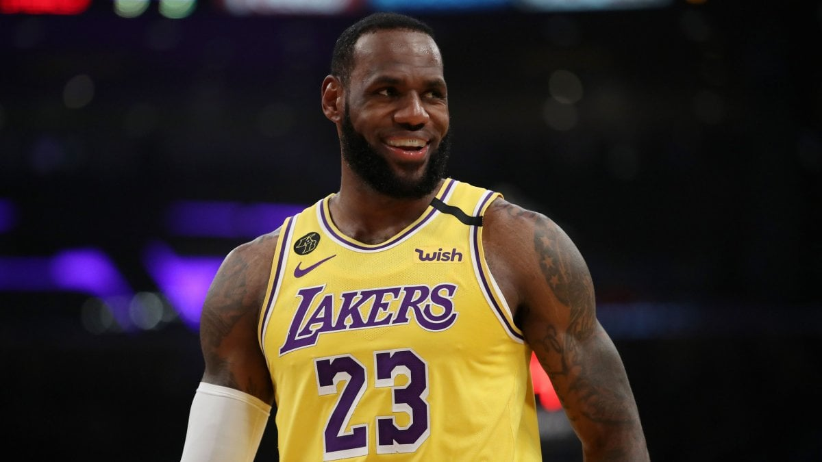 "Basket, Nba: LeBron James ci ripensa: ""Pronto a giocare a porte chiuse"""