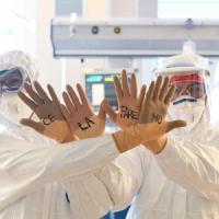 Coronavirus, continua il calo dei malati ricoverati. Stabile la crescita dell'epidemia,...
