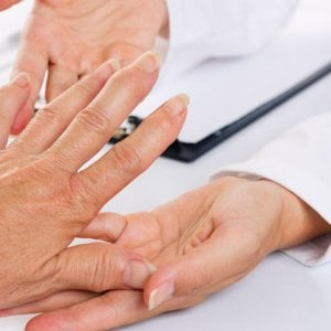 Coronavirus, carenza di farmaci per malati reumatologici