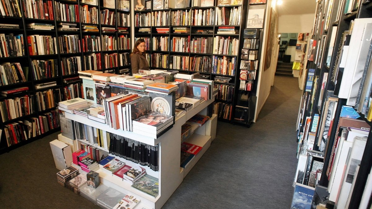 Libreria A Porta Di Roma riaprire o no, il caos librerie - la repubblica