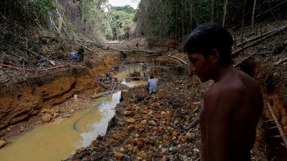 """Coronavirus, morto giovane indio Yanomami. """"Ora le popolazioni indigene sono seriamente a rischio"""""""