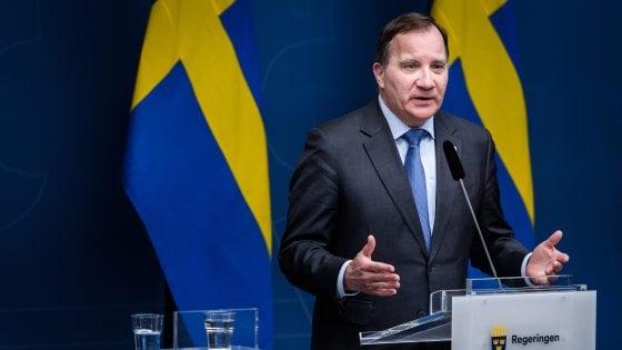 """Coronavirus, aumentano i contagi in Svezia. Il mea culpa del premier: """"Non abbiamo fatto abbastanza"""""""