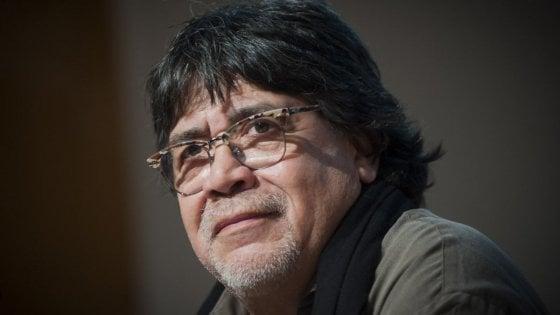È morto Luis Sepúlveda, lo scrittore cileno aveva contratto il coronavirus
