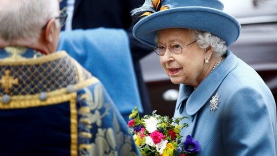 Coronavirus Niente Colpi Di Cannone Per Il Compleanno Della Regina Elisabetta La Repubblica