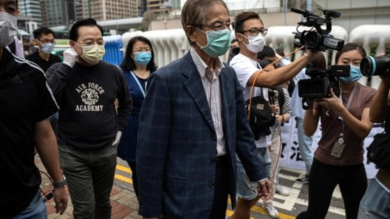 Hong Kong, arrestati 15 attivisti pro-democrazia